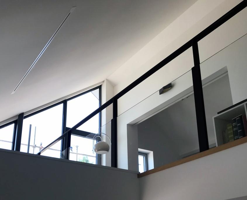 Balustrade glas met staal nieuwbouw huis