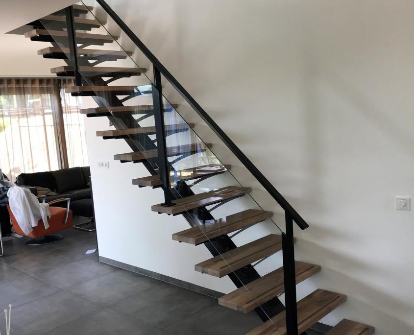 Open stalen trap woonhuis Rosmalen staal hout en glas