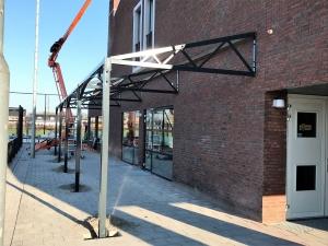 terrasoverkapping staal MFC De Steen