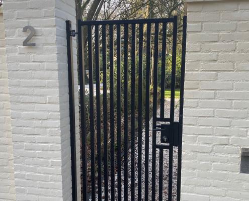 stalen poort woonhuis